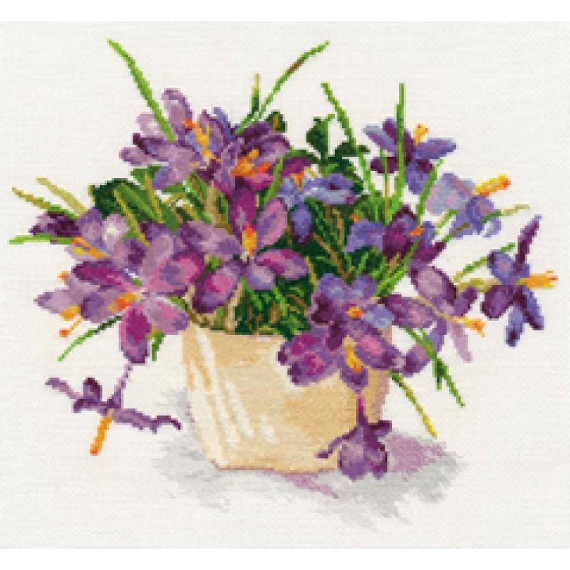 Вышивка с фиолетовыми цветами 114